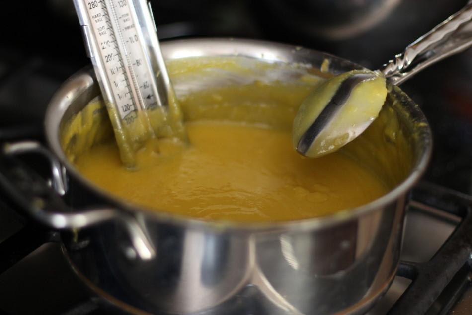 dairy free gluten free lemon curd - www.fromjessicaskitchen.com