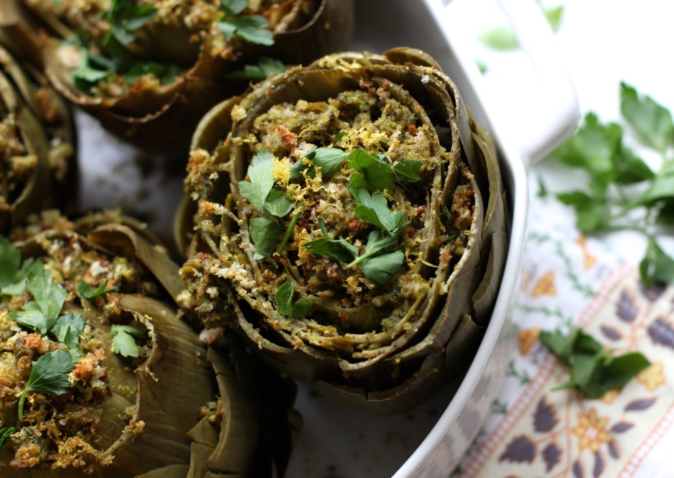 Artichoke with pesto bread crumbs
