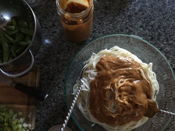 peanut-sesame-noodles-gluten-free-dairy-free-soy-free-vegan-recipe-from-jessicas-kitchen