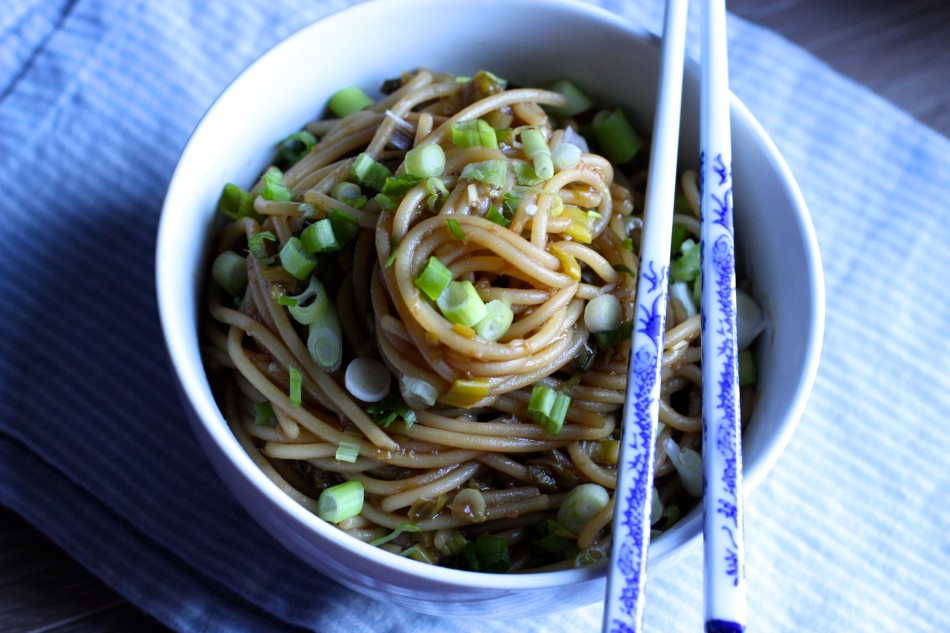 scallion--ginger-noodles-easy-recipes-gluten-free-dairy-free-from-jessicas-kitchen