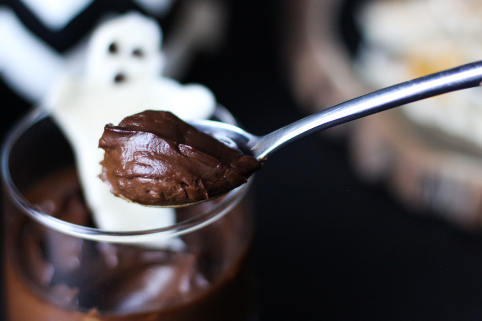 6-chocolate-avocado-gluten-free-vegan-paleo-pudding-halloween-1-of-1